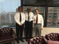 Con el Jefe de la División de Protección al Consumidor de la Oficina del Procurador de Texas, Dave Talbot, y el Jefe de División Adjunto, Paul Singer.