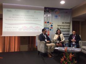 Con la Secretaria de Defensa al Consumidor de Paraguay, Lorena Méndez, y el Subdirector de la SERNAC de Chile, Ricardo Loyola.